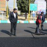 بازدید شهردار از عملیات روکش آسفالت میدان شهدا