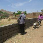 اجرای عملیات دیوار کشی زمین های بایر کشاورزی بلوا رصدوقی(طرح زیباسازی نمای شهری)